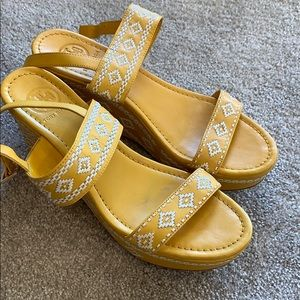 Tory burch wedge platforms
